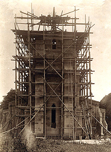 The west tower undergoing restoration about 1914 [Z467/15]